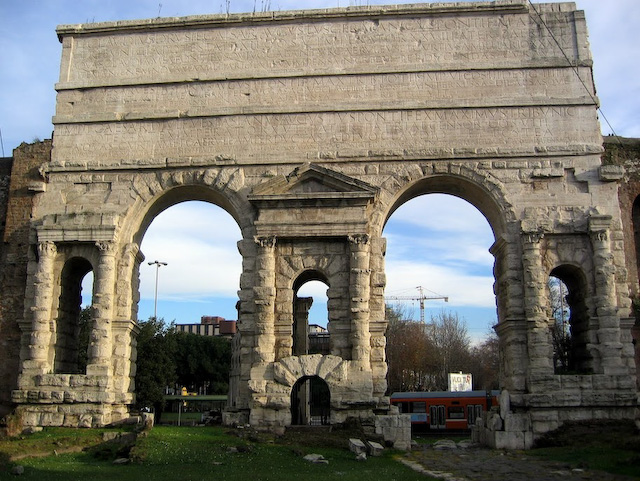 Roman road walks italy walking tours nature history - Roma porta maggiore ...
